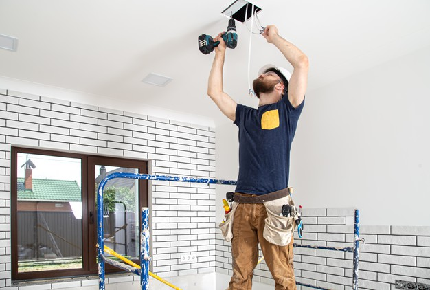 Electrician in Independence